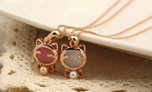 Cute Lucky Cat Opal Short Pendant Necklace Hot Sale N119-2